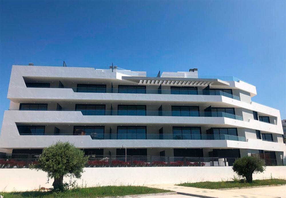 Solución de aerotermia individual para 23 apartamentos en Torrox (Málaga)