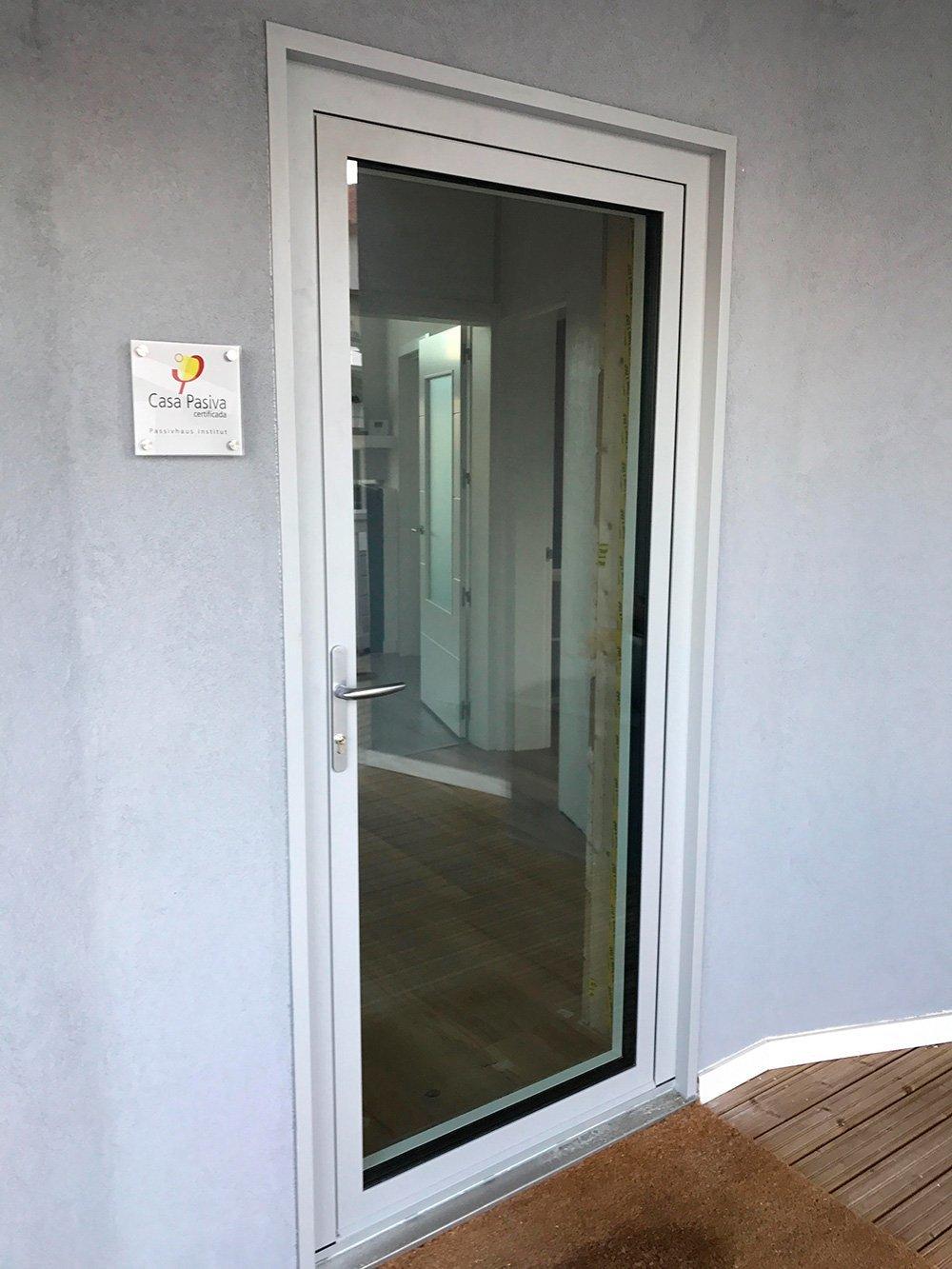 puerta de la vivienda PassivHaus