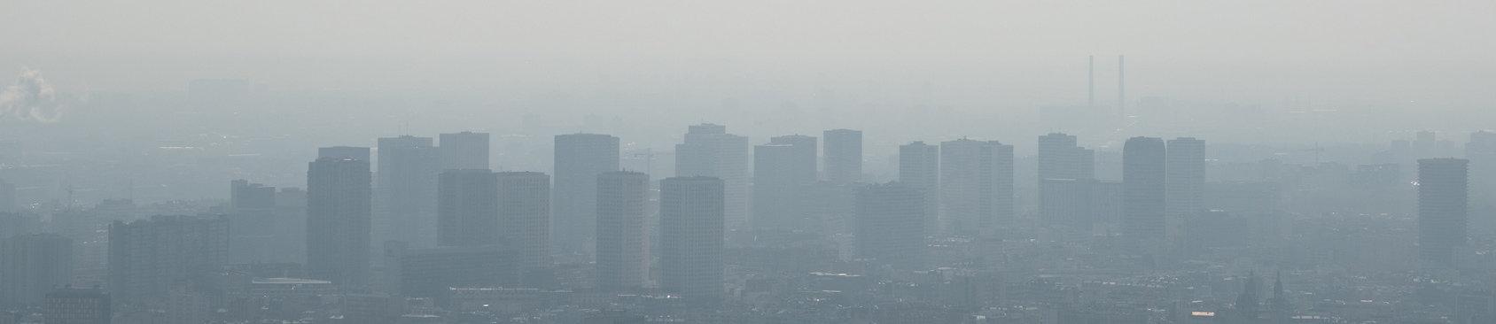 polucion y contaminacion sobre una ciudad