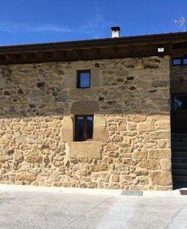 Instalación aerotérmica en un caserío del siglo XII en Berriz